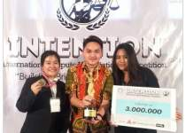 Tim Hukum Ubaya Raih Juara II dalam Intention